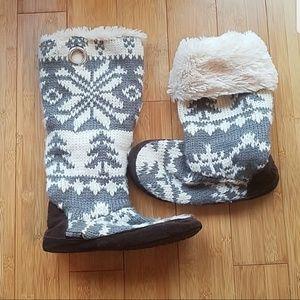 Shoes - Muk Luks slipper/booties